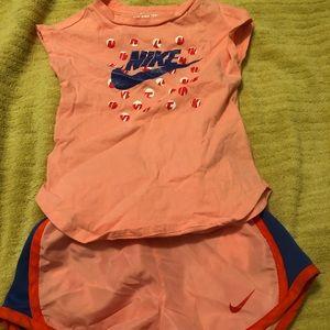 Baby girl/Toddler Nike shorts set 2-3 years